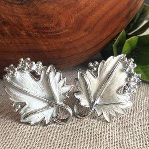 Sarah Coventry Silvertone & White Clip Earrings